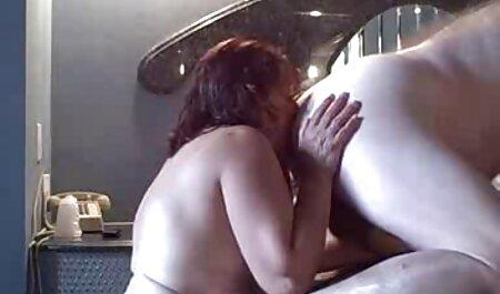 بانی خاکستری می شود فاک بر سکس با دکتر روی نیمکت