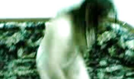 بزرگ سیاه و سفید dildo به پوند کوچک سکس در مطب پزشک
