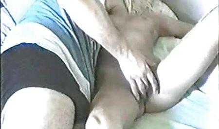 نونوجوان ورزش ها را دوست دارد فلم سکس داکتر به افشای لباس های خود را