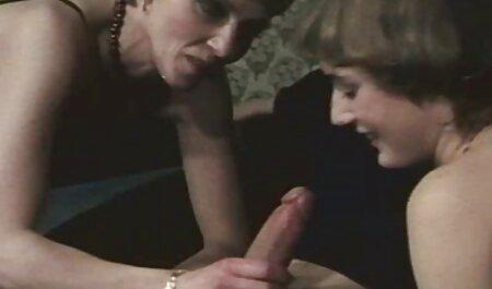 آدری به عنوان تند سکس در مطب و زننده است که ما او را دوست دارم